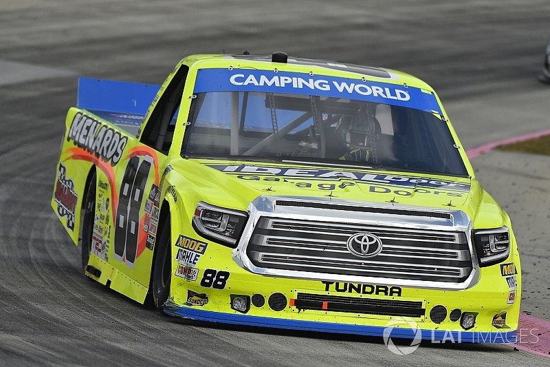 Matt Crafton re-signs with ThorSport Racing for 2018