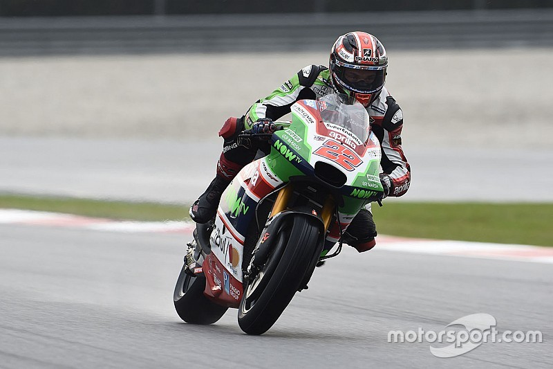 "Aprilia still ""suffering the consequences"" of signing Lowes"