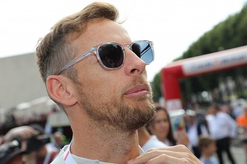 Button szerint Leclerc nyomás alá tudná helyezni Vettelt