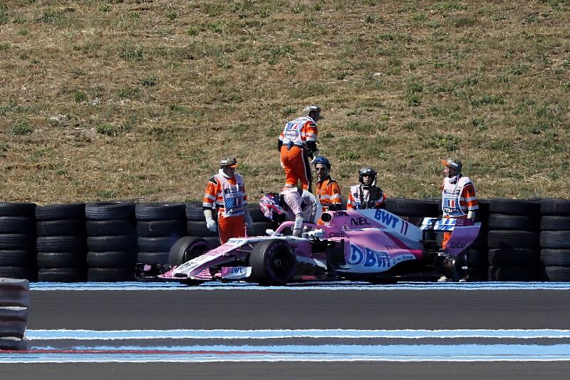 Videón, ahogy lerepül a Force India kereke, nagy tempónál