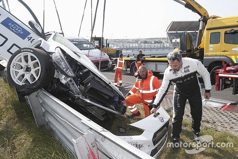 Fotó: ennyi maradt Muller lebombázott autójából