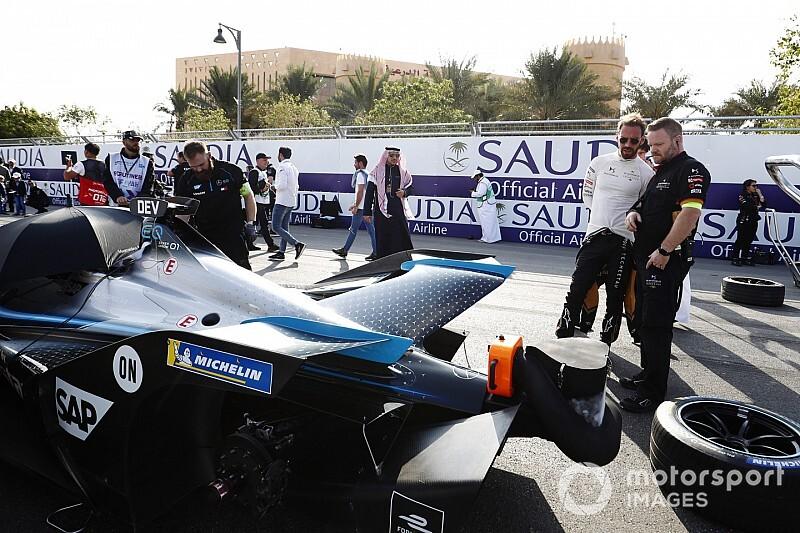 Вернь не поверил в возможность доминирования Mercedes в Формуле Е