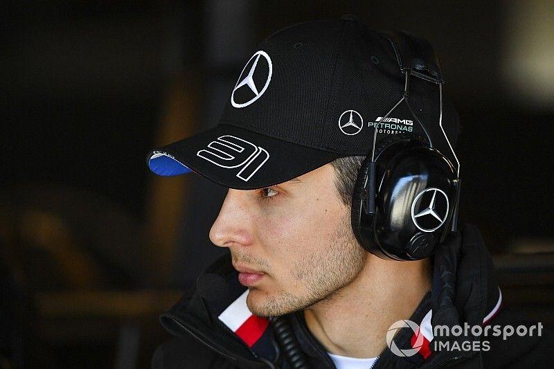Ocon não sabia sobre novo sistema de direção da Mercedes