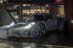 """Maserati MMXX, il muletto della nuova supercar """"spiato"""" a Modena"""