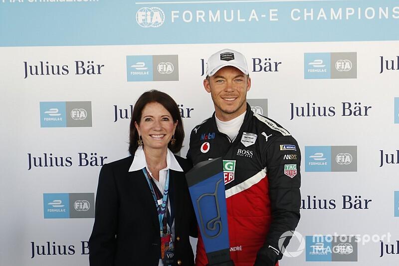 Mexico City E-Prix: Lotterer scores Porsche's first pole