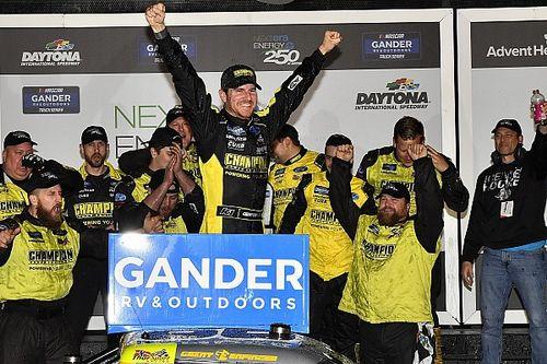 Enfinger tops Anderson for Daytona Truck win in photo finish