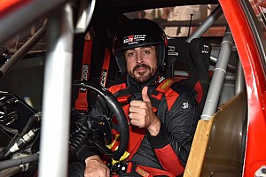 Alonso tests STC2000 series car in Buenos Aires