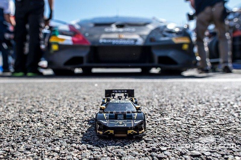 Lamborghini: partnership con LEGO per le Huracan e Urus da corsa!