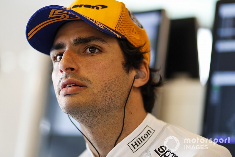 Sainz admits to early contract talks with McLaren