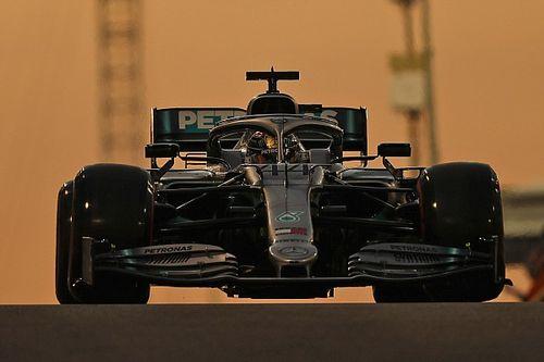 Hamilton claimt pole voor seizoensafsluiter, tweede startplek Verstappen