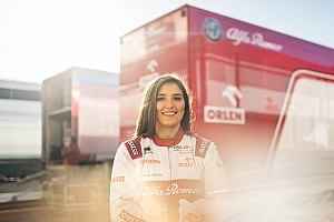 Tatiana Calderón continúa como piloto de pruebas de Alfa Romeo