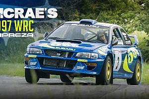 Videó: Ilyen egy kör Colin McRae legendás Subaru Imprezájával