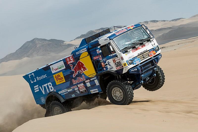 Dakar, Camion, Tappa 2: secondo successo di Nikolaev, De Rooy sale al posto d'onore