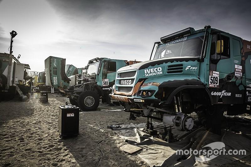 Así preparan la etapa maratón del Dakar 2019 los camiones