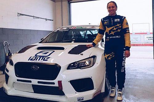 Molly Taylor prova la Subaru di Top Run per il TCR Australia