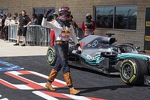 """Los jefes de Red Bull, sorprendidos con un """"increíble"""" Verstappen"""