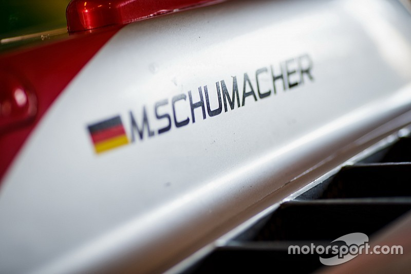 Mercedes: Schumacher bizim genç sürücü programımızda değil