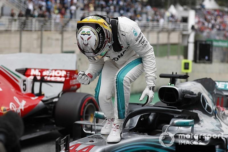 """Hamilton gufa sulle gomme: """"Ferrari più veloce, ma avrà blistering con le supersoft"""""""