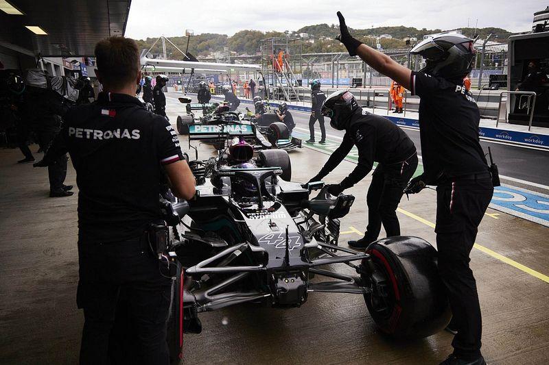 """F1: Hamilton diz que erro em pitlane não tem """"nada a ver com pressão"""""""