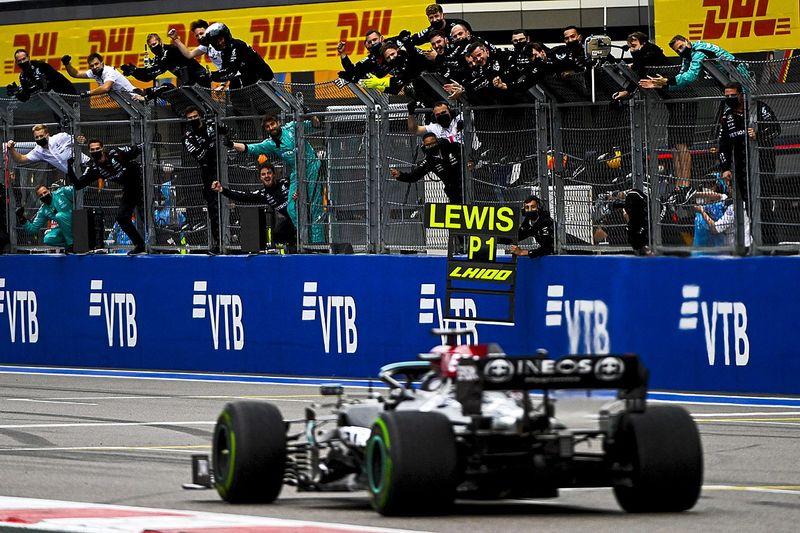 俄罗斯大奖赛:汉密尔顿逆转实现100胜,诺里斯痛失首胜良机