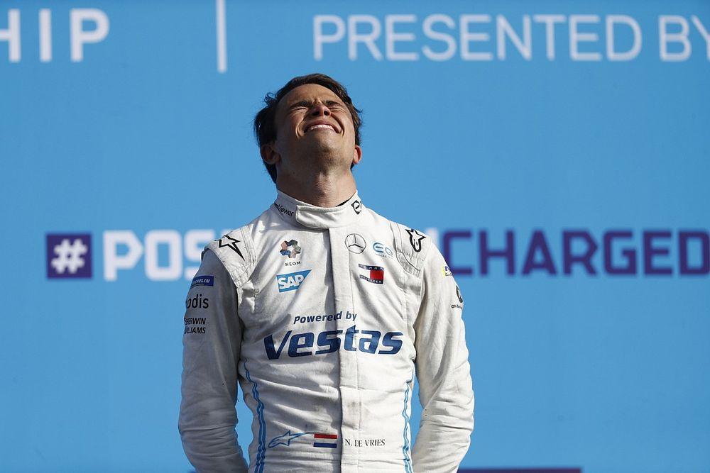 Albon ve De Vries, 2022 yılında F1'de mi yarışacak?