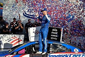 Charlotte NASCAR: Larson rallies to win chaotic playoff race
