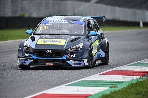 TCR Italy: Buri domina Gara 1 al Mugello e balza in testa