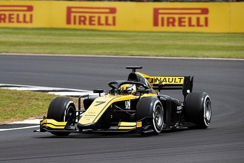 Zhou na pole position