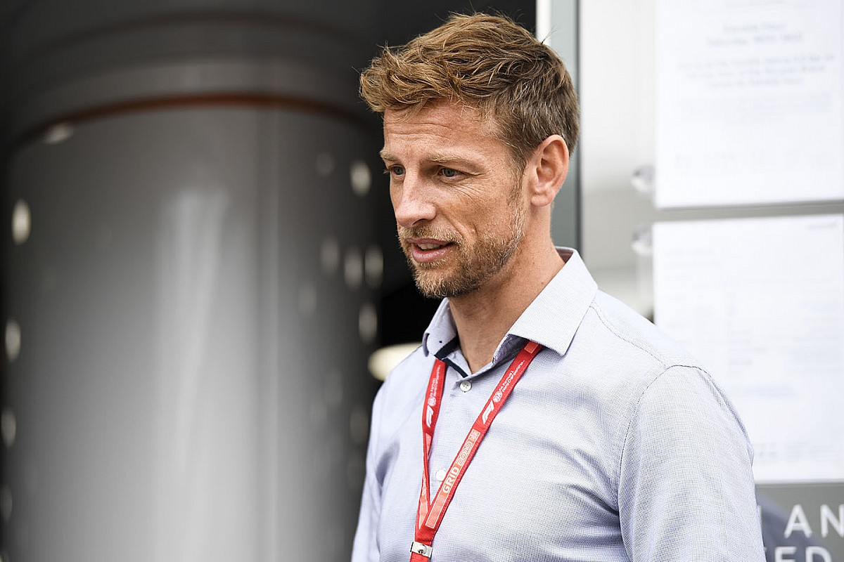 Jenson Button baba oldu
