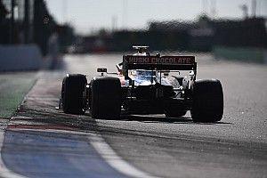 Sainz arra kéri a McLarent, hogy kockáztassanak az új autó megépítésével