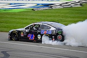NASCAR Roundtable: Harvick emerging as a title contender