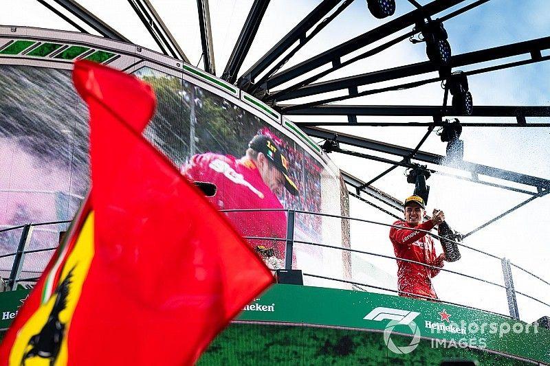 El presidente de Ferrari agradece a Leclerc el mejor regalo posible