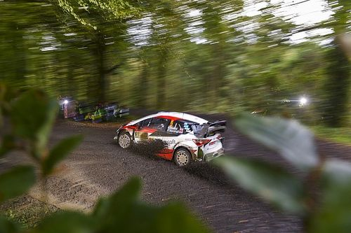 Rally GB WRC: Meeke leads Ogier by 1.5s