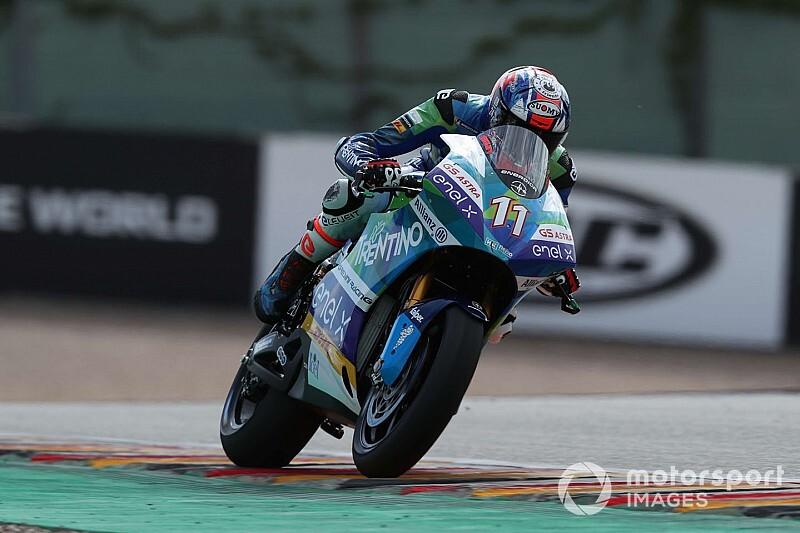 MotoE, Misano: Ferrari vince e va in testa, De Angelis out