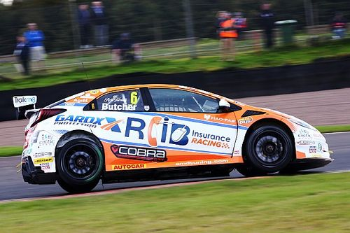 Knockhill BTCC: Butcher holds off Jordan by 0.268s