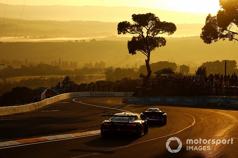 TCR beats Supercars to new Bathurst race