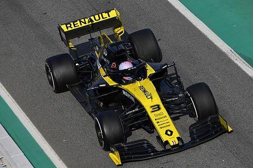 Ricciardo tagadja, hogy Verstappen elől menekülne
