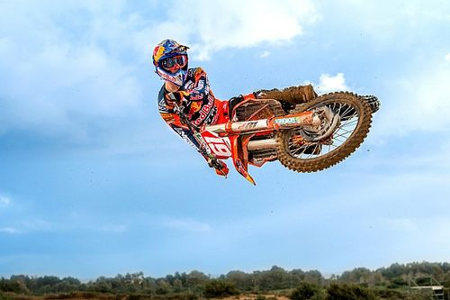 Prado renueva su compromiso con Red Bull KTM