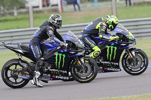 Vinales, che disastro al primo giro: ha perso più di 200 posizioni da quando è in MotoGP!