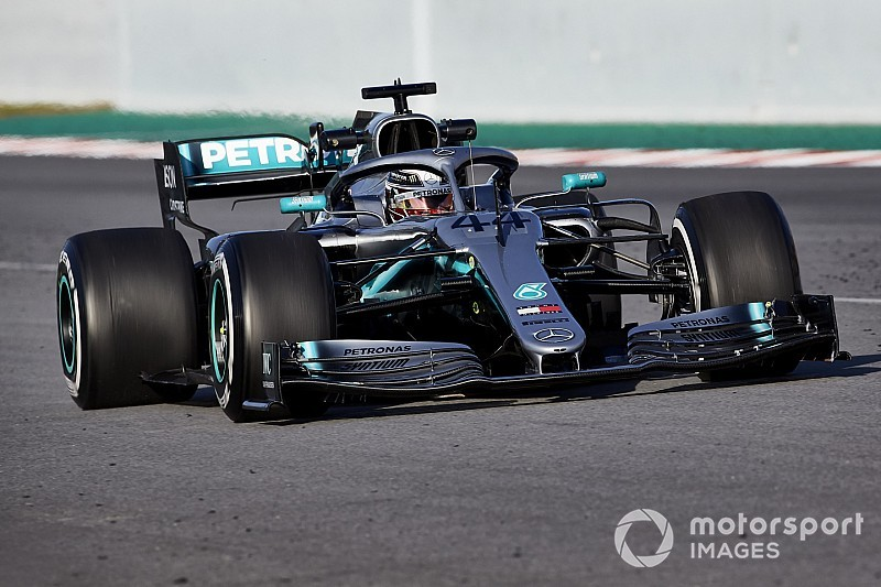 "Mercedes' 2019 F1 car makes older one look ""clunky, naive"""