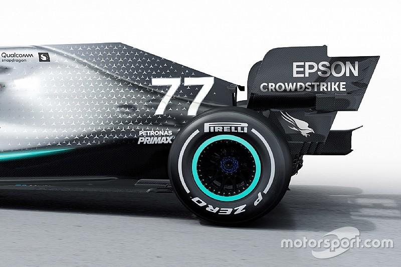 Új motor, kisebb tömeg, és jobb gumikezelés jellemzi a Mercedes W10-et