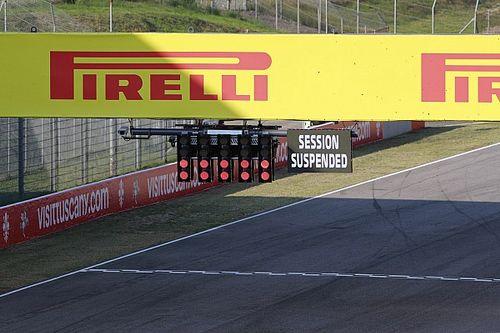 """Russell detona liberação de troca de pneus durante bandeira vermelha: """"Perdi uma posição para Charles por isso"""""""