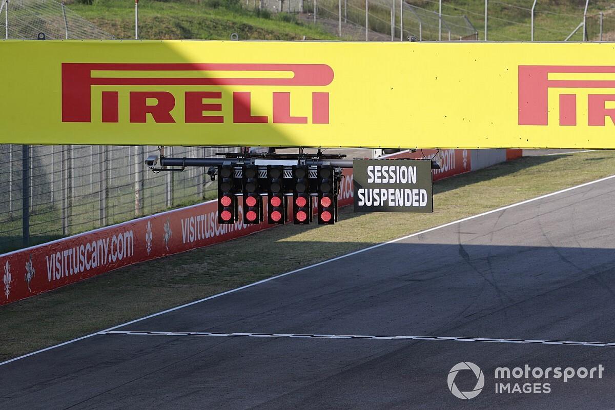 """Russell: """"F1'in kırmızı bayrak kurallarının değişmesi gerekiyor"""""""