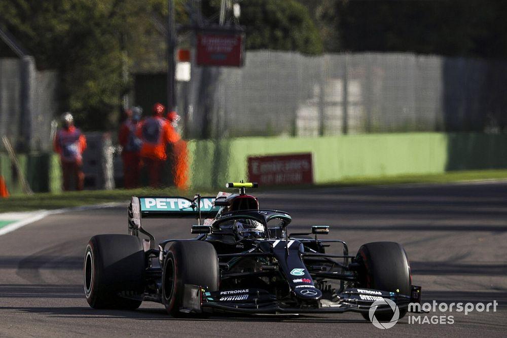 Bottas supera Hamilton no fim e faz a pole na volta da F1 a Ímola
