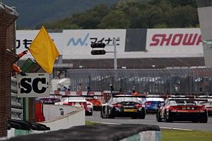 "Super GT drivers criticise safety car ""lottery"" at Motegi"
