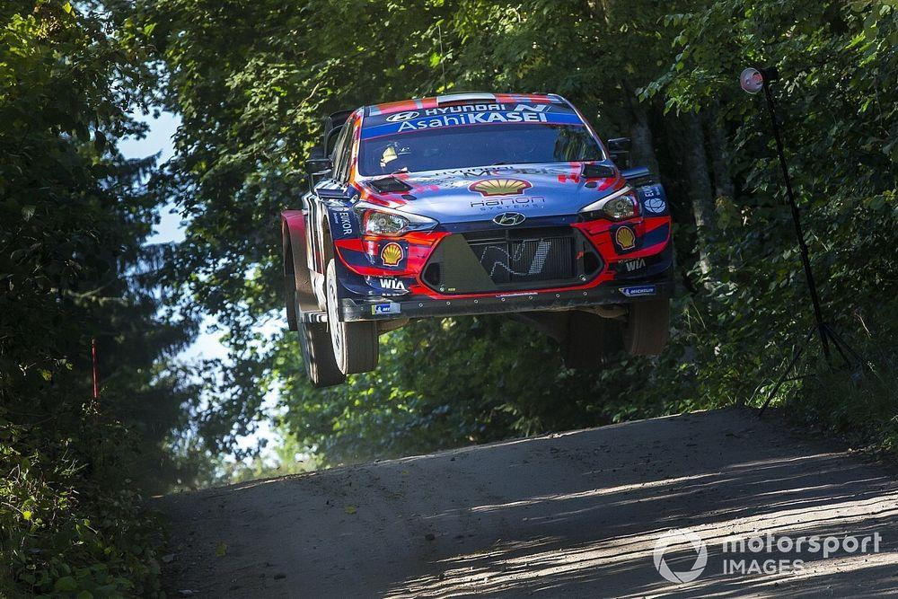 WRC: Hyundai arrasa en la mañana del sábado en Estonia