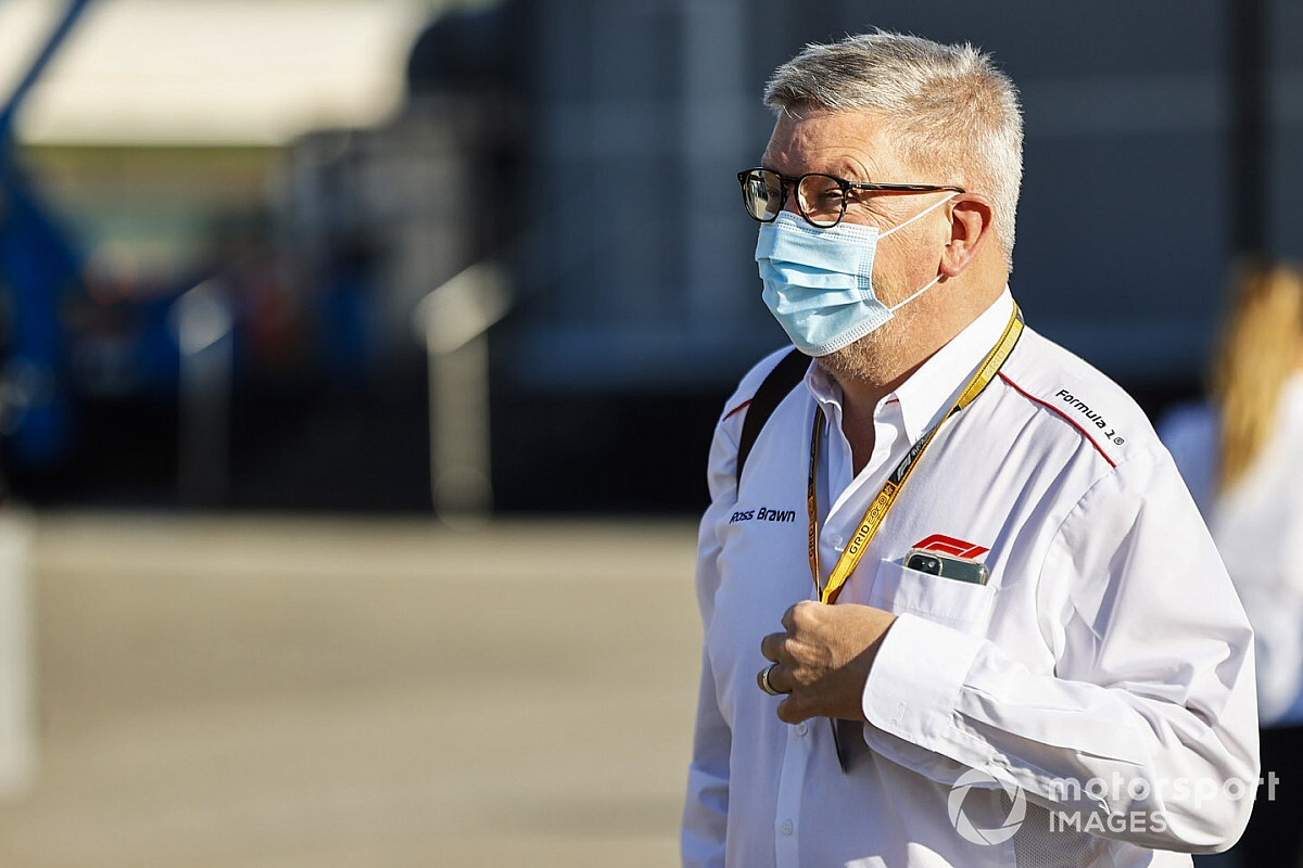 F1-directeur Brawn kritisch over optreden Verstappen en Leclerc