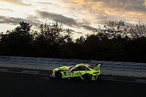 Nurburgring 24h: Mercedes dominates early exchanges