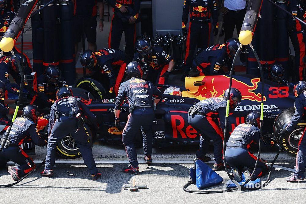 İspanya GP pit stoplarına Red Bull damga vurdu