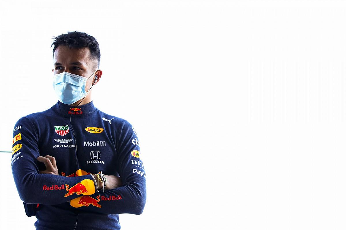 Pályán a 2020-as Red Bull Silverstone-ban, Verstappen nem utazott el (videók, képek)